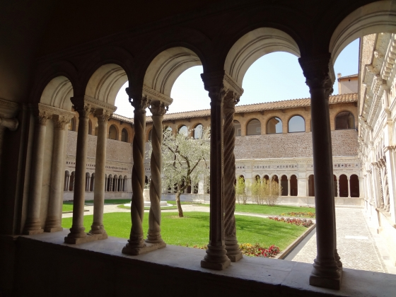 684  San Giovanni in Laterano - Chiostro.jpg