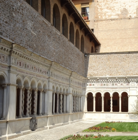 694  San Giovanni in Laterano - Chiostro.jpg
